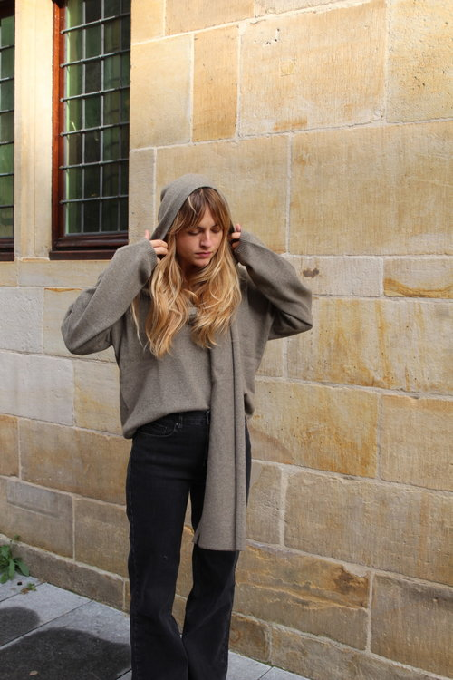 Ame Antwerp End V-neck Sweater