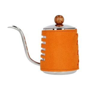Barista Space Barista Space - Opschenkkannetje met oranje sleeve 550 ml