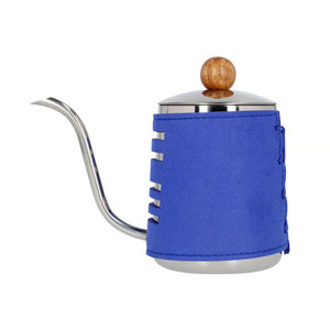 Barista Space Barista Space - Opschenkkannetje met blauwe sleeve 550 ml
