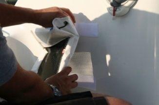 Het verwijderen van de tas is zo eenvoudig dat het mogelijk is om de tassen in uw boot op te bergen.