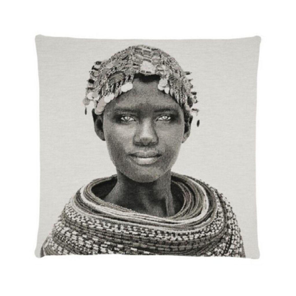 - African Tribes - Samburu girl - Grey