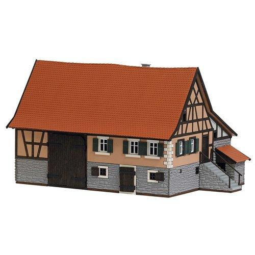 BUSCH 1504 BAUERNHAUS SCHWARZENW. H0