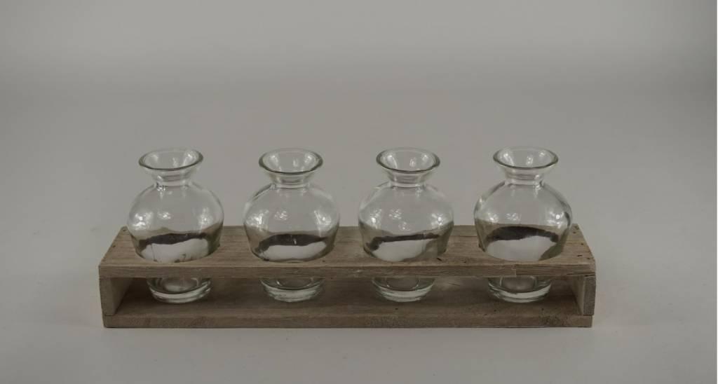 houten tray met 4 flesjes