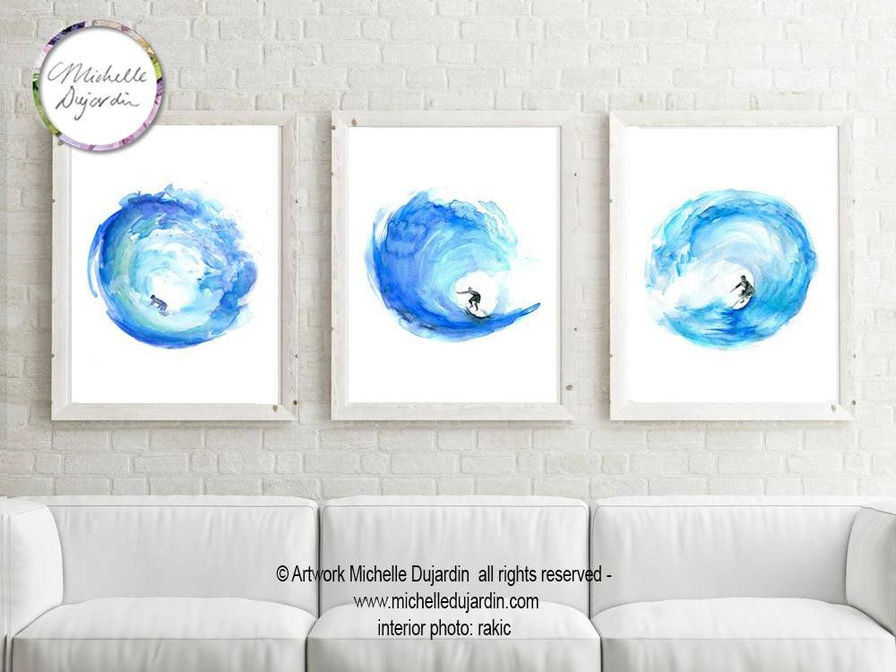 3 prints van surfers door Michelle Dujardin