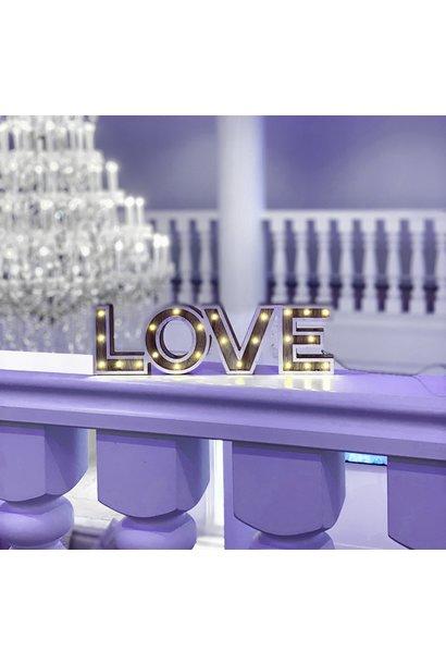 LOVE letters met licht