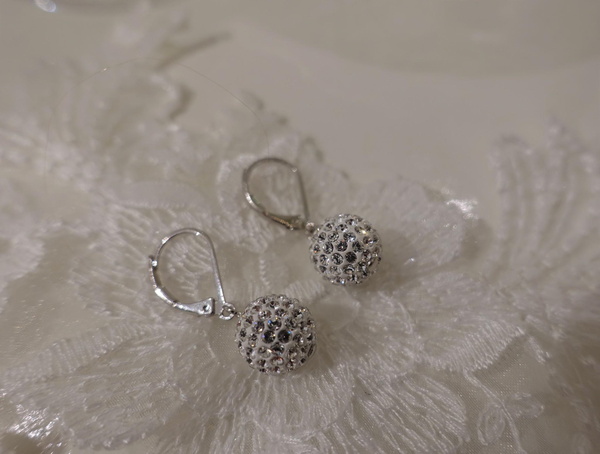 Hangers met diamanten bolletje-1