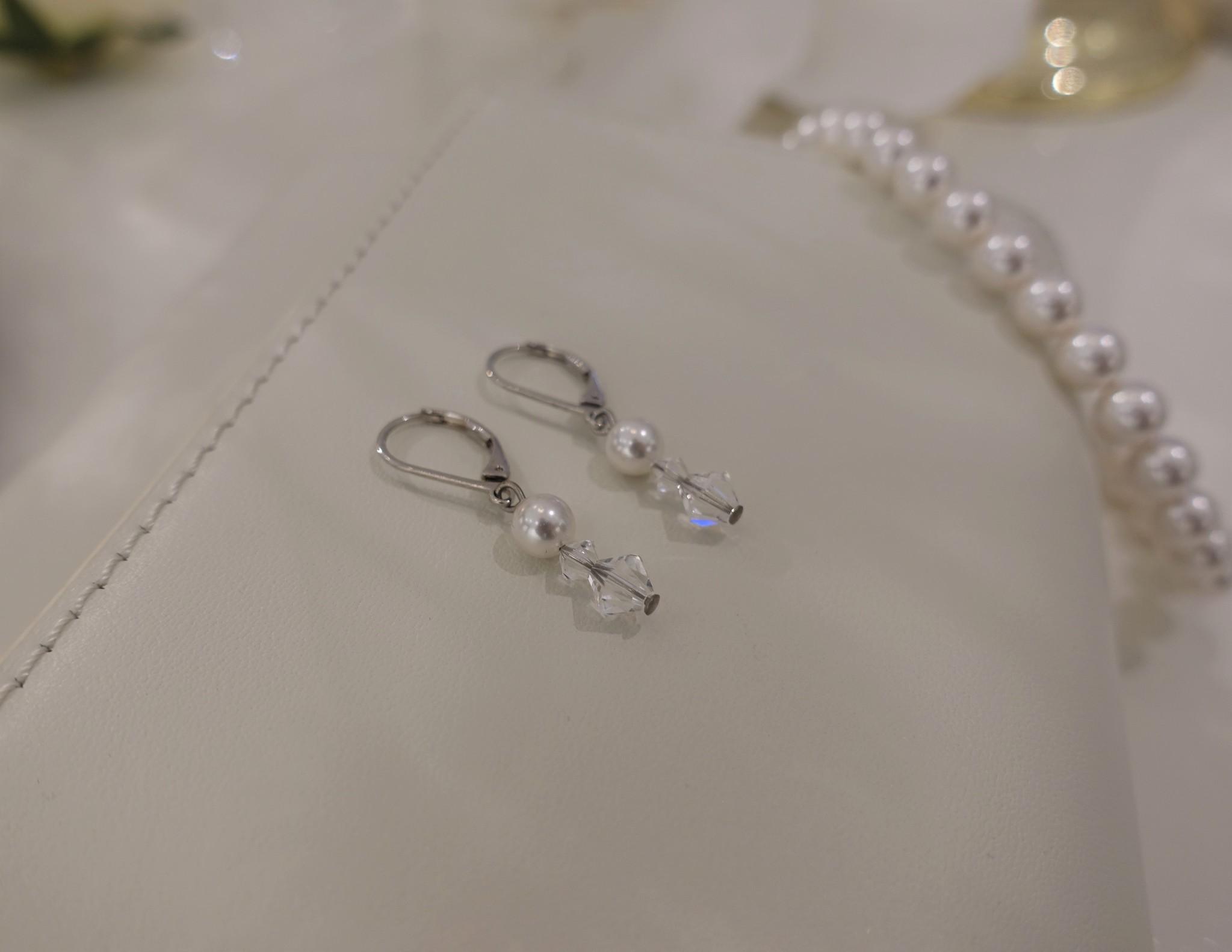 Hangers met parel en kristallen-1
