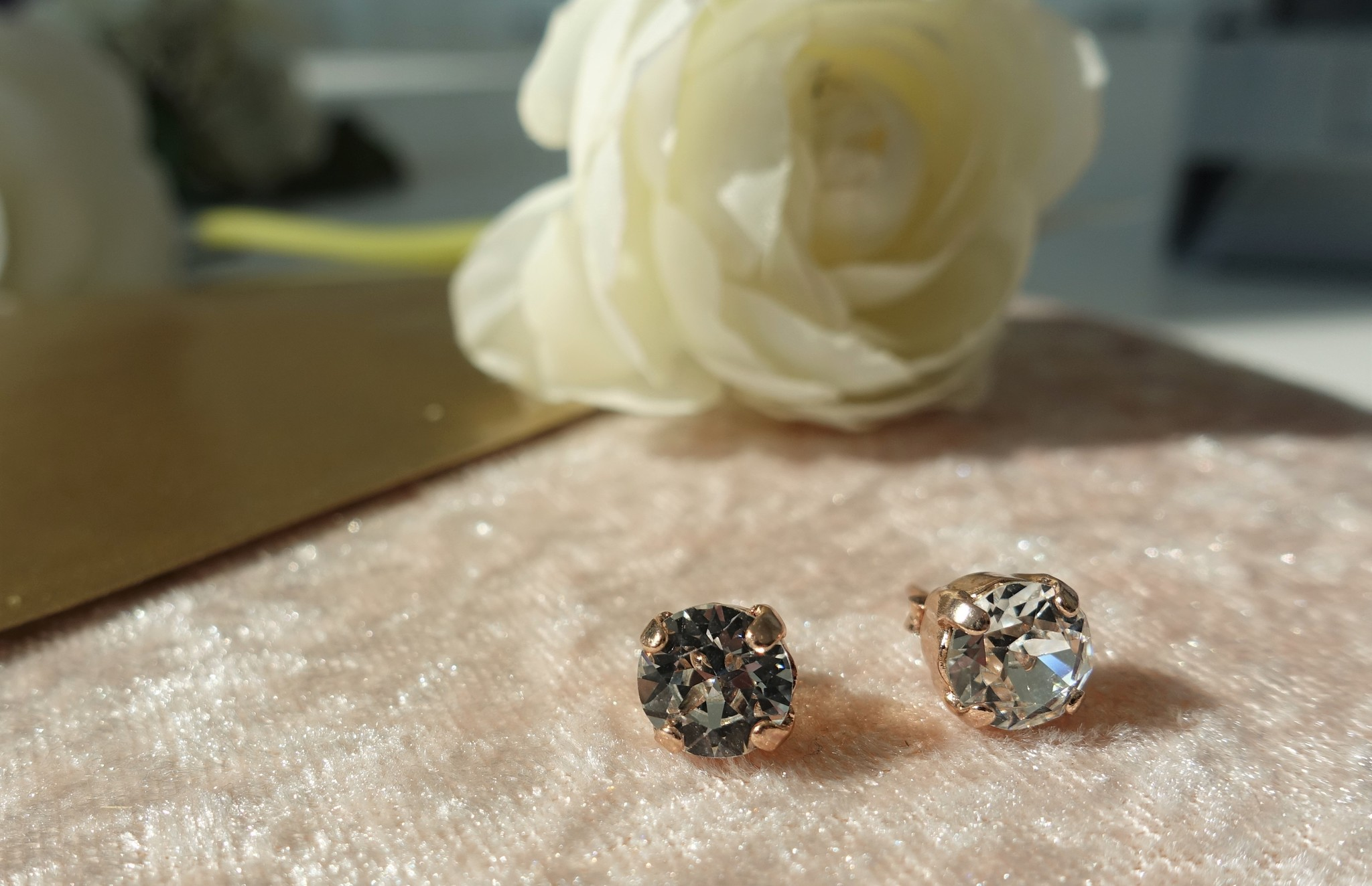 Gouden diamanten knopje-1