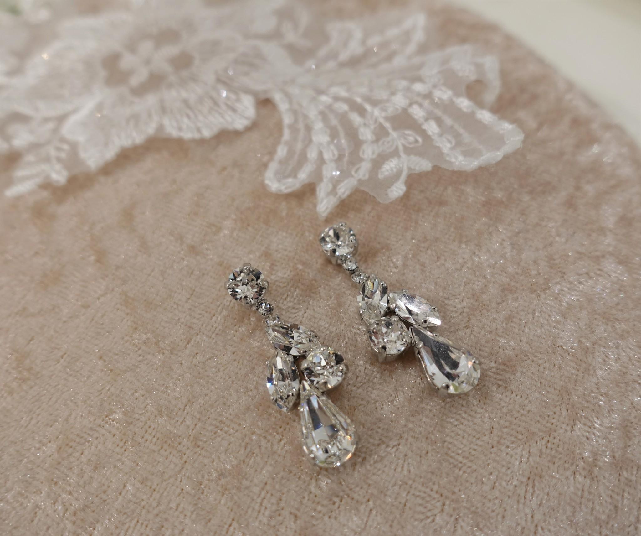 Zilveren diamanten hangers, asymmetrisch-1