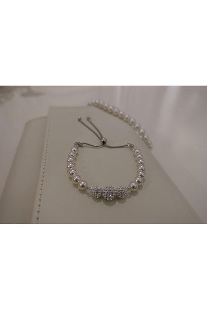 Parel armband met diamantjes