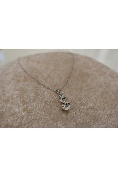 Zilveren ketting met diamantjes