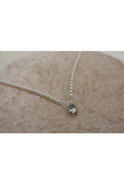 Parel ketting met kristal en diamant