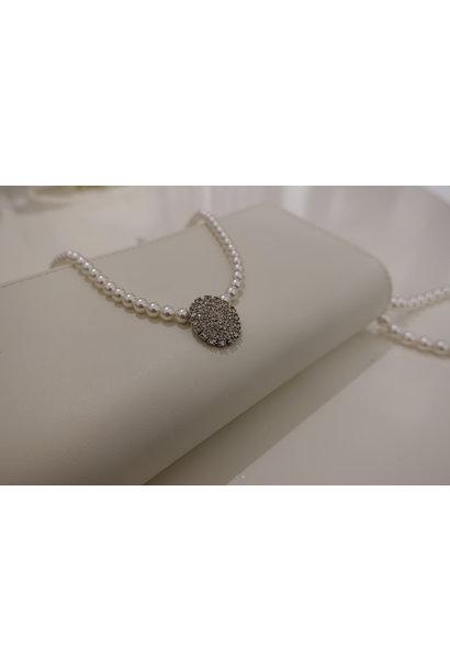 Parel ketting met diamanten ovaal