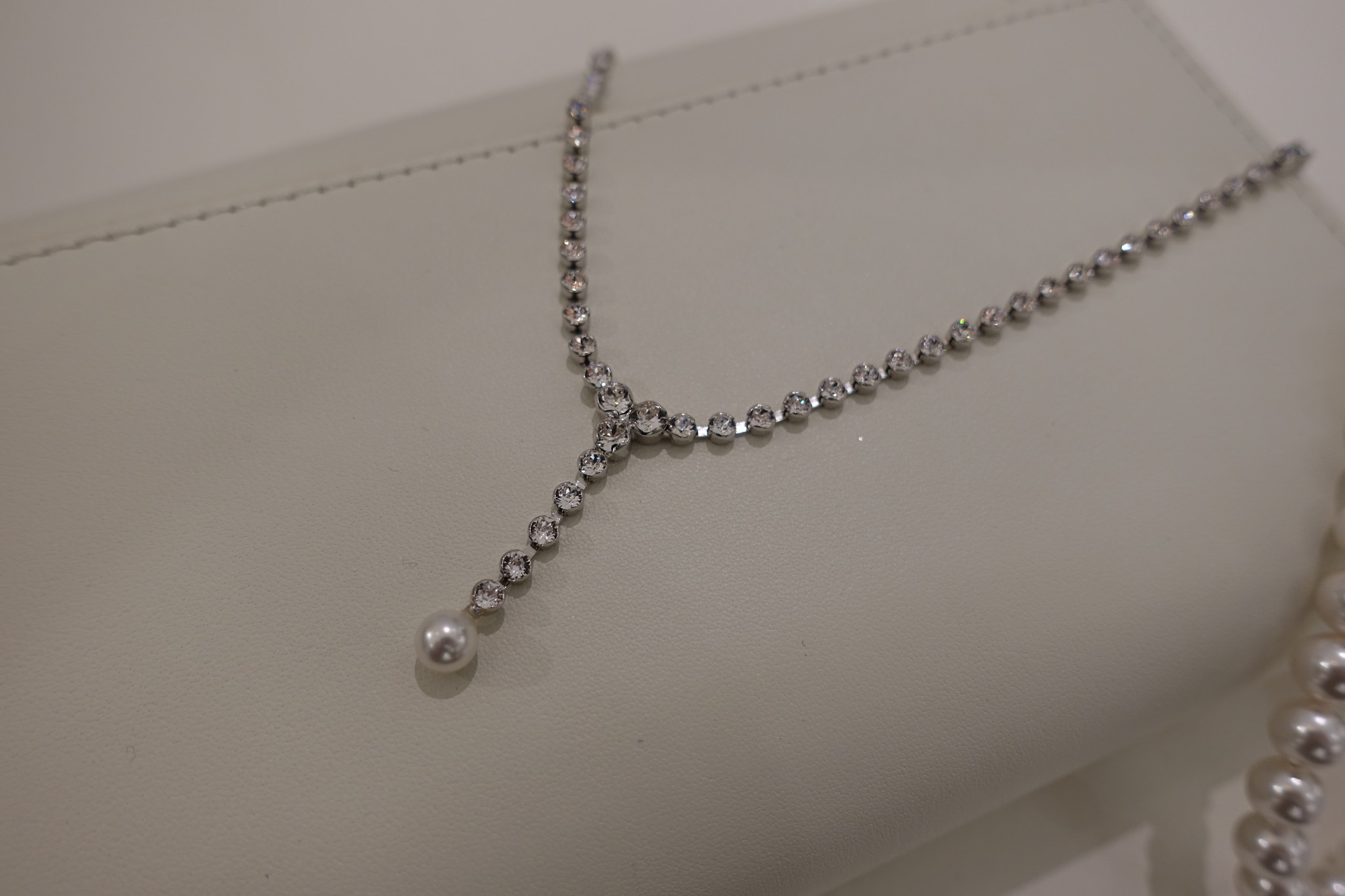 Lange diamanten ketting met parel-1