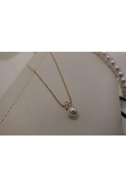 Rose ketting met diamantjes en parel