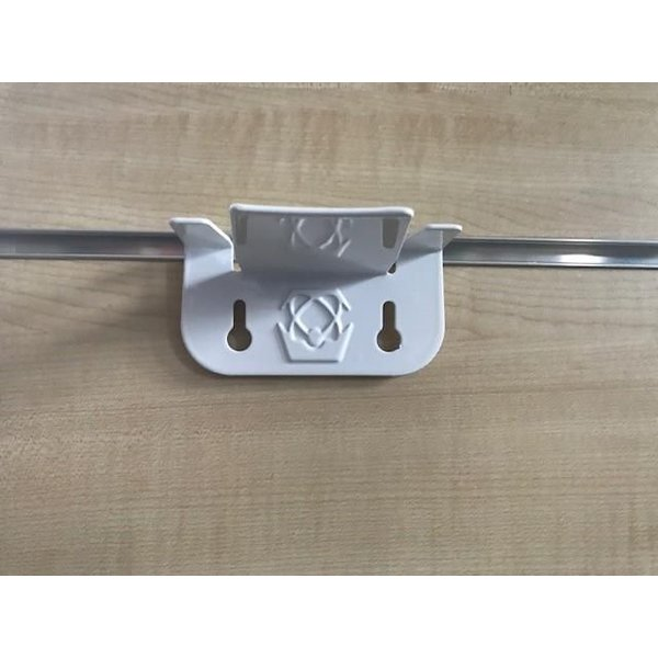 Atlas slatwall holder