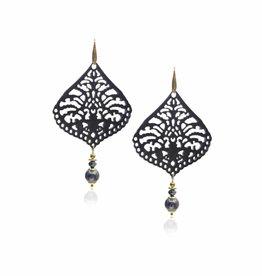 Sheherazade met zwarte parel