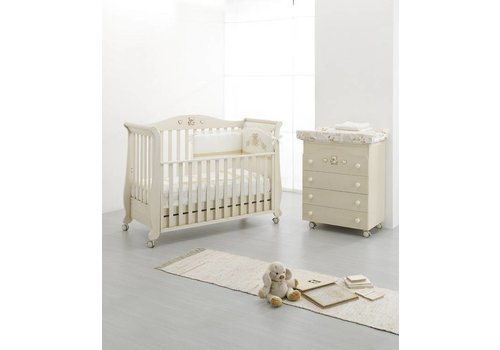 Erbesi Babykamer Royal  Antique