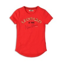 T-shirt bright red.
