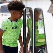 B.Nosy jongens T-shirt met allover melee print, ribboord aan hals en mouwuiteinde melee safety yellow