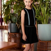 B.Nosy jurk met katoenen kanten ruche + rok black
