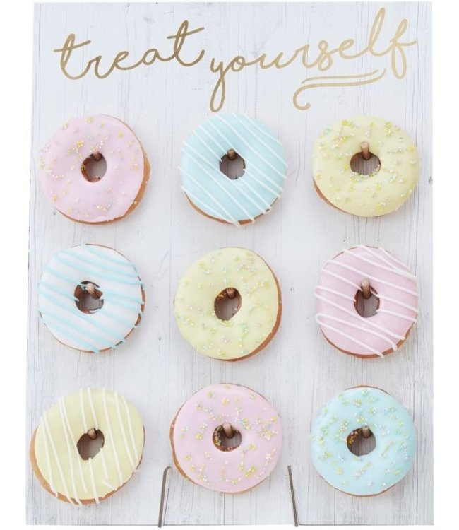 Ginger Ray Donutwall wit | Treat yourself | voor 9 donuts