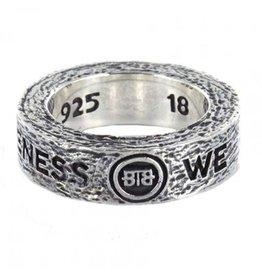 Buddha to Buddha 727 Spijkers ring