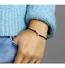 Blinckers Jewelry Huiscollectie Armband 47.00030 Satijn met Letter 14 krt goud Letter B