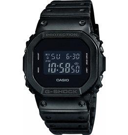Casio DW5600bb-1er G shock zwarte kast en zwarte plat met rubber band