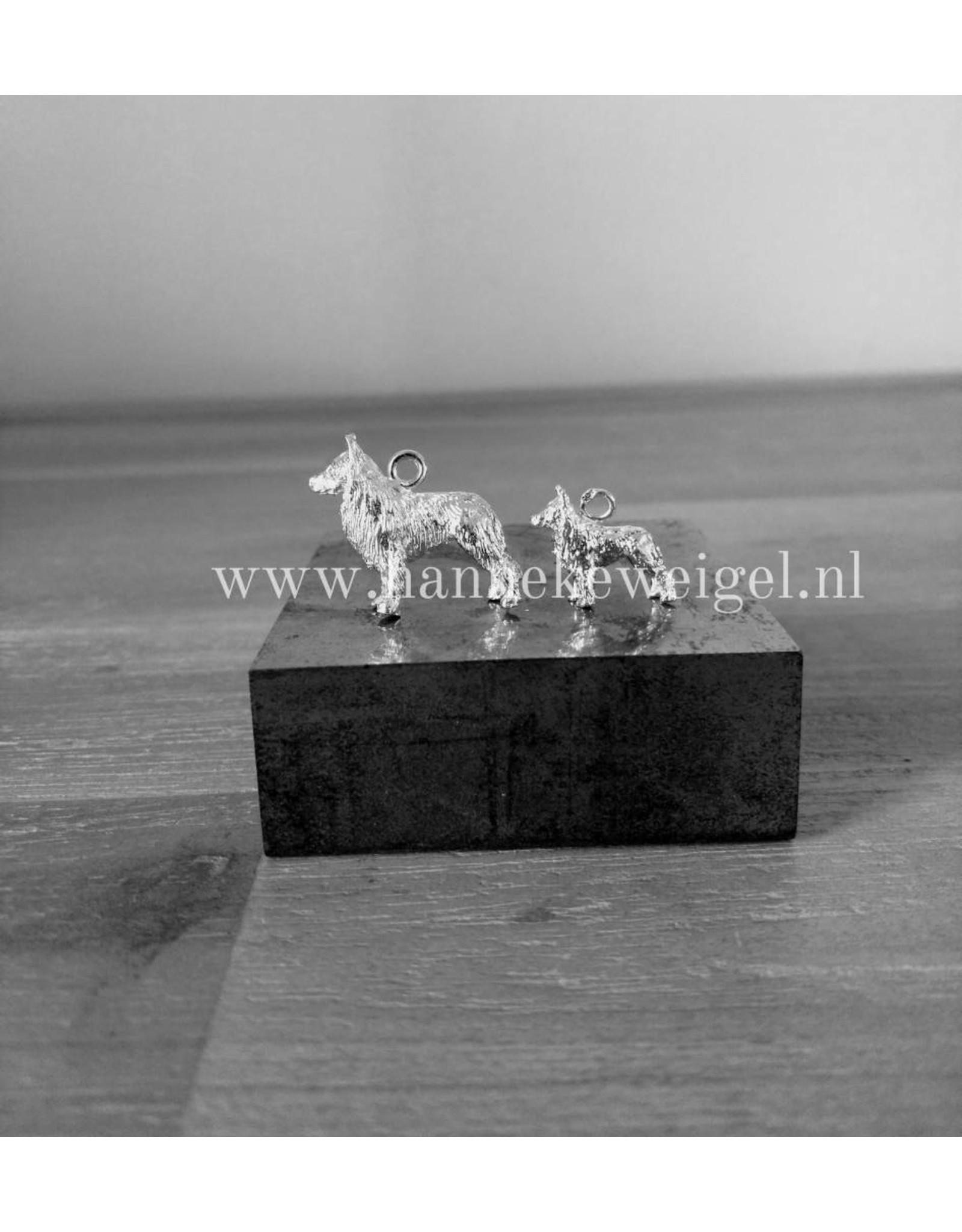 Handmade by Hanneke Weigel Zilveren Hollandse herder langhaar