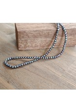 Handmade by Hanneke Weigel Pearl necklace peacock 3 -3,5mm