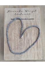 Handmade by Hanneke Weigel Parelketting peacock 3 -3,5mm
