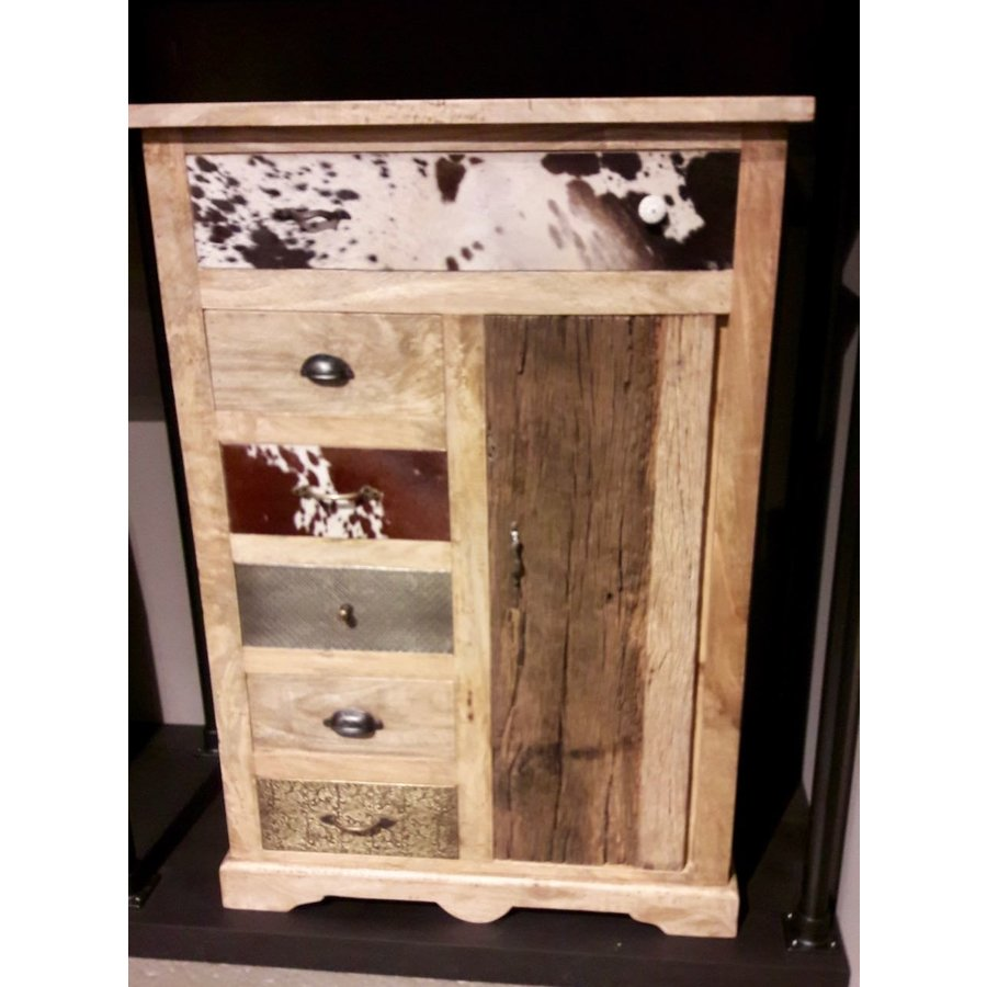 Kast met laden en deur in hout metaal en koeienhuid-2