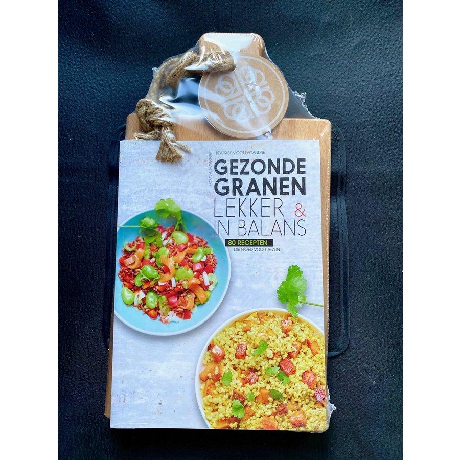 Cadeauset 'Gezonde Granen' kookboek en serveerplank-1