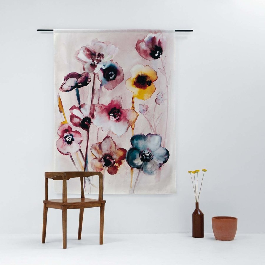 Wandkleed Flowers in Soft Hues-2