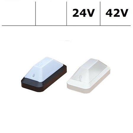 4MLUX KTP Pro LED serie 7,8W, 24/42V berging verlichting, 3000 of 4000K, 1210 lumen met wit of zwart poly-carbonaat onderhuis en opalen of heldere-frosted poly-carbonaat lichtkap