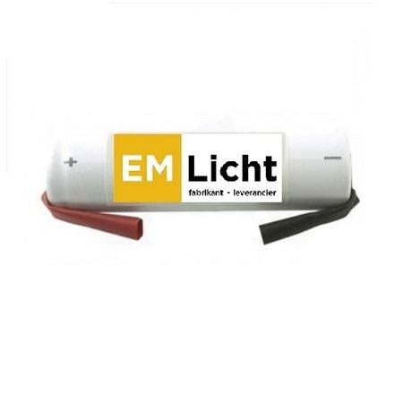4MLUX Batterij 3,6V-2,2Ah, staaf, 1/2 D cel, NiCd, afmetingen: Ø 33 x H 105mm, met faston (Bijpassende dradenset of dradenset met connector dienen los erbij besteld te worden)
