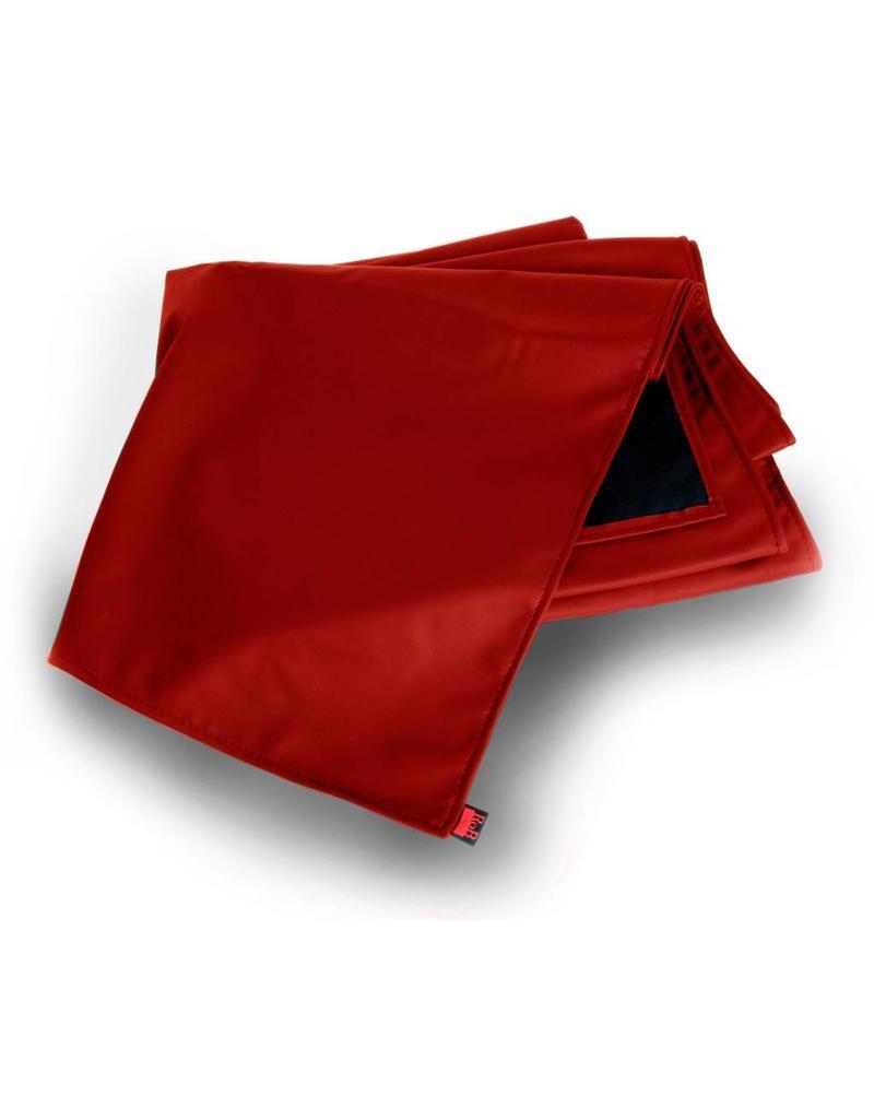 Playsheet Red, 150 x 245 cm