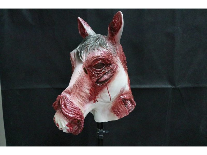 Bloederig horror paardenmasker