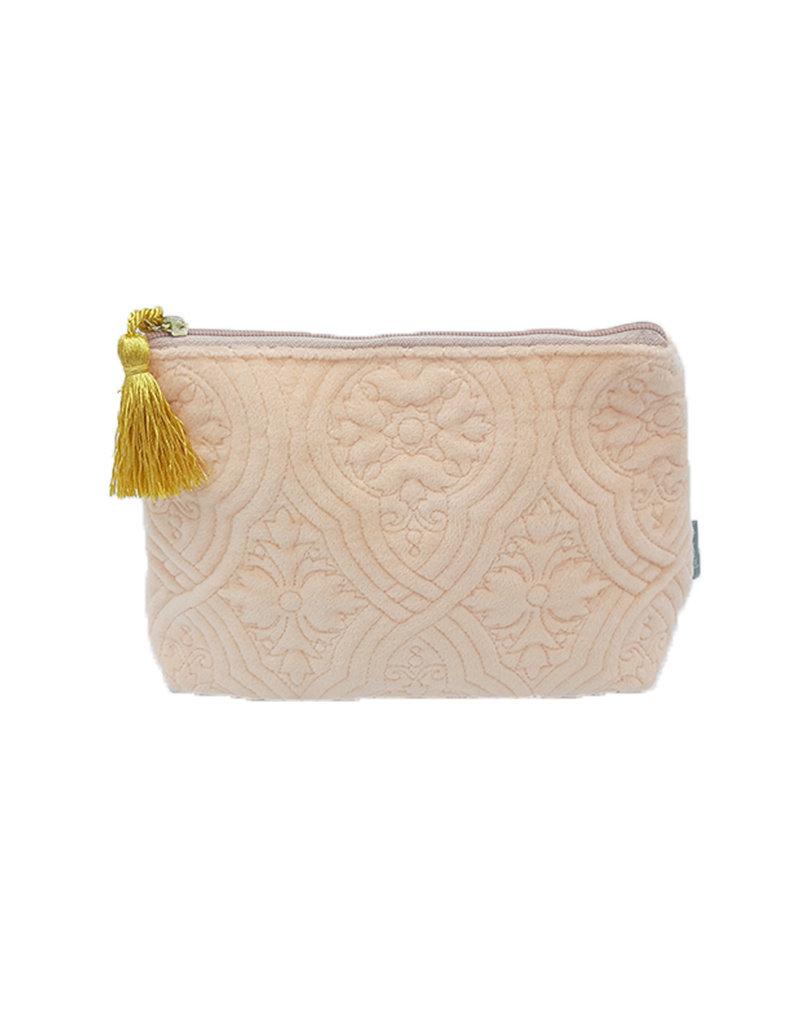 Mathilde M Fluwelen make up tasje, roze met gouden tassel