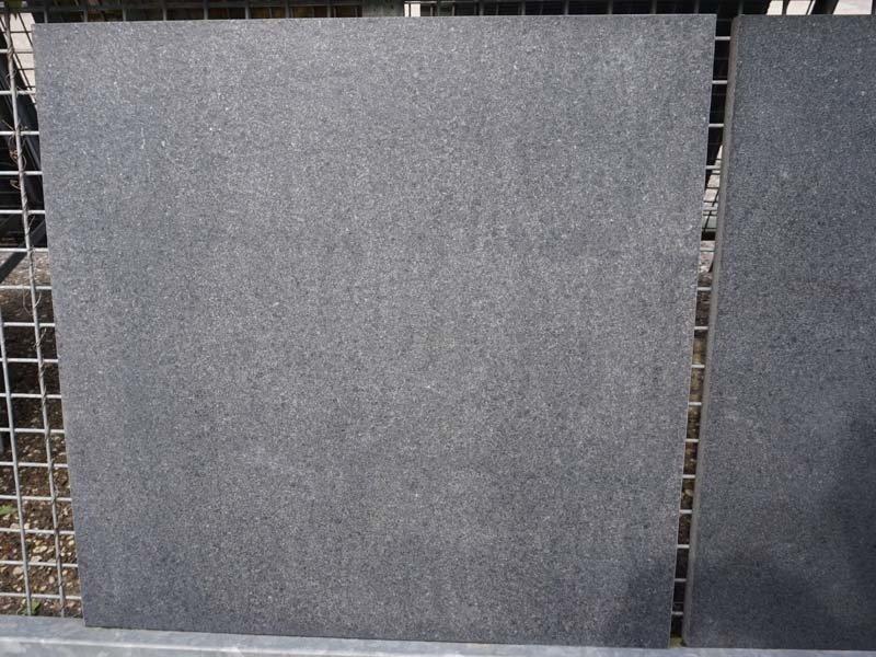 Basalt leather black diamond 80x80x2,5 cm