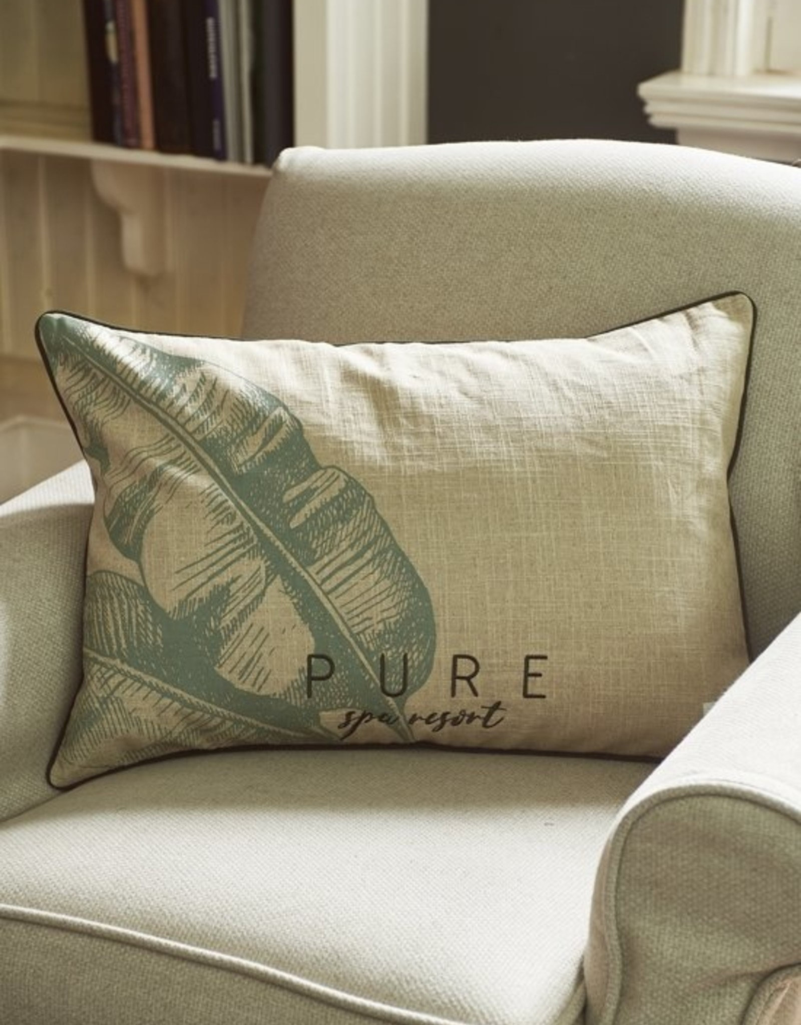 Riviera Maison Pure Banana leaf pillow cover  65x45
