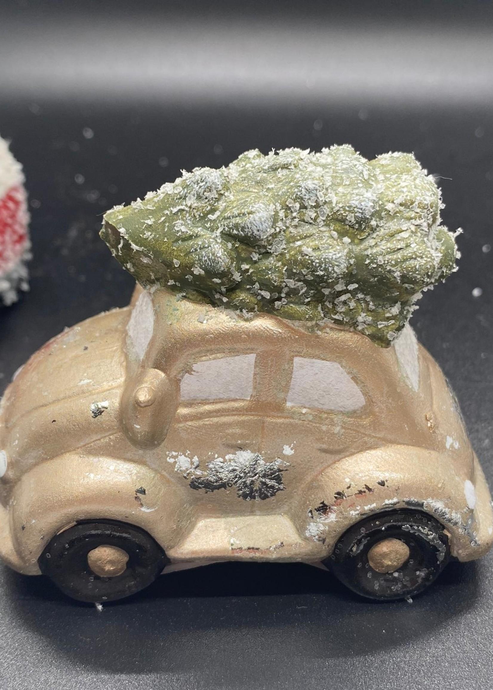 Auto of bus met kerstboom
