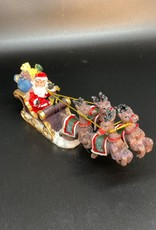 Kerstman met rendieren en slee