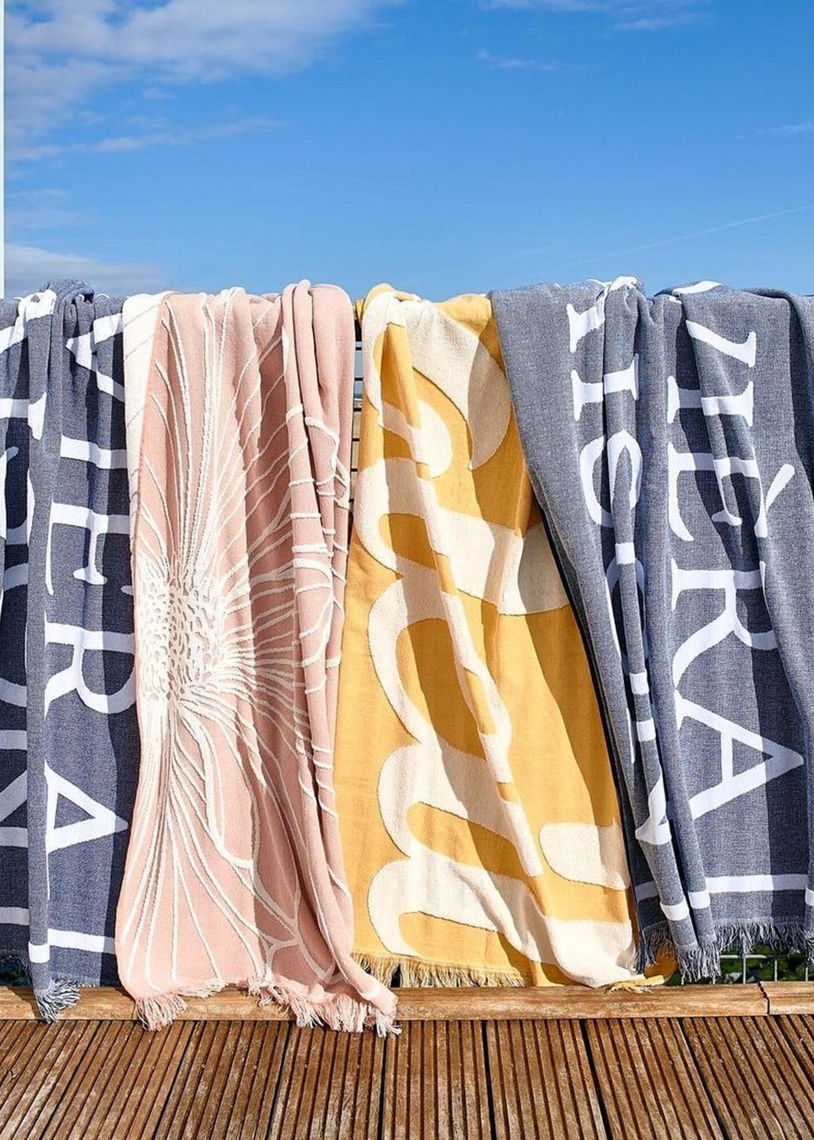Riviera Maison Les Fleurs Beach Towel