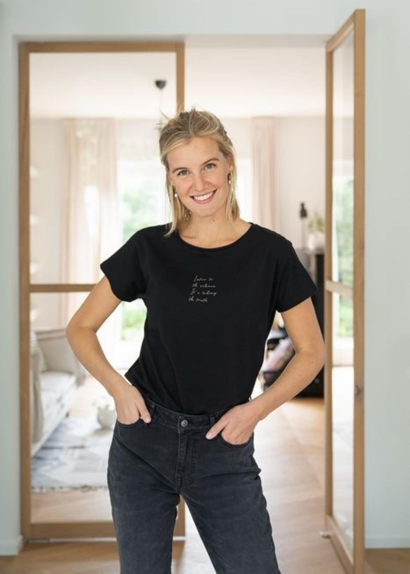 Zusss Basic T-shirt met Ronde Hals Listen tot the...