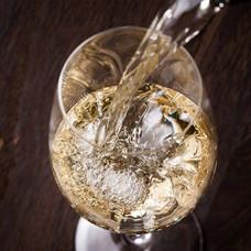 Vol krachtige witte wijn