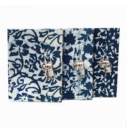 TH011 Tagebuch Batik