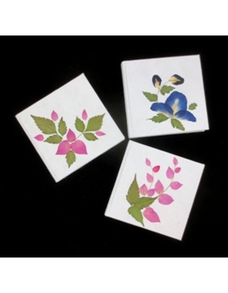 Notebookje mulberry met bloemdecoratie