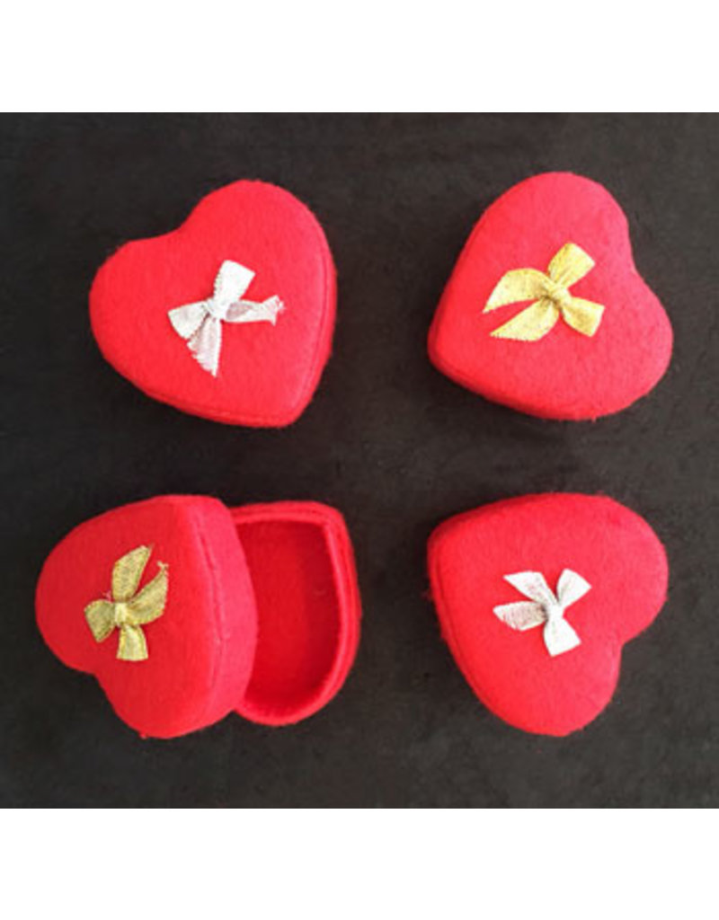 . Set of 4 heart shaped boxes,